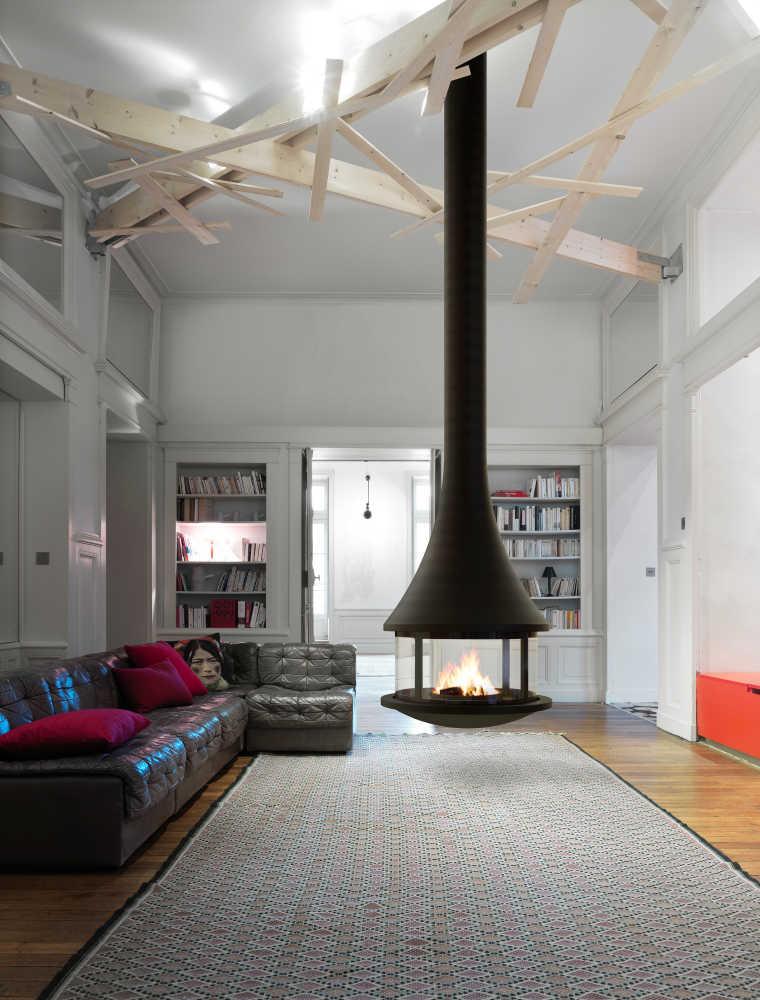 Une cheminée centrale pour un salon design   JC BORDELET